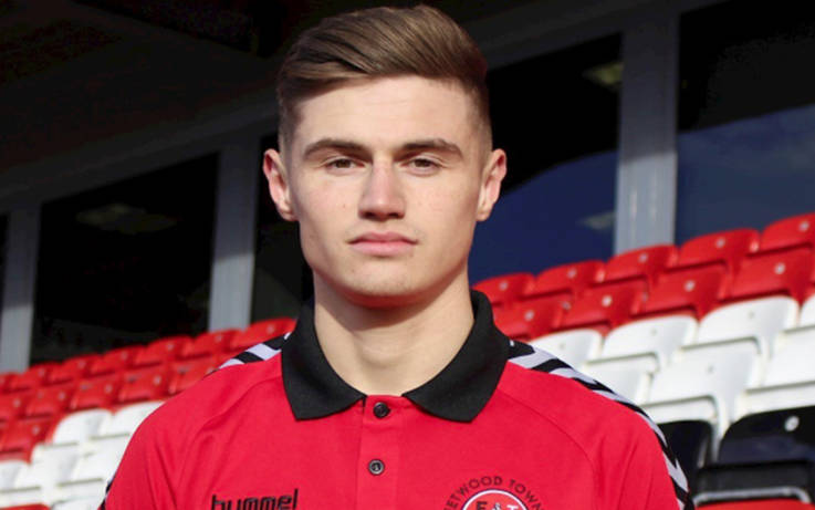 Darlington FC striker Harvey Saunders signs for League One Fleetwood Town