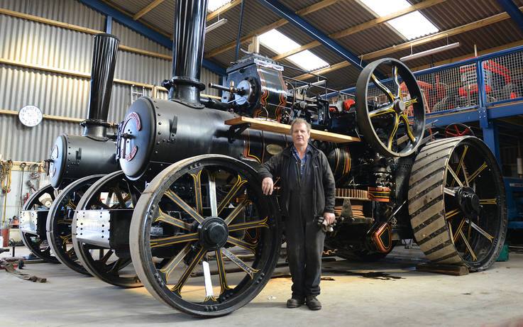 Century  old engines join plough contest